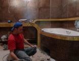 Укладка плитки, ремонт ванной.